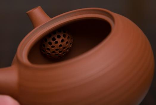 Bulbous clay filter