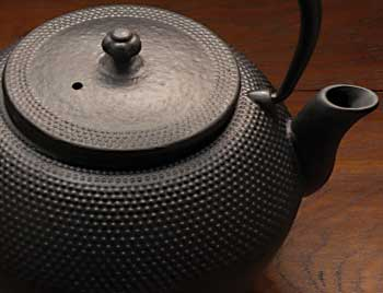 Cast-Iron-Tea-Pot