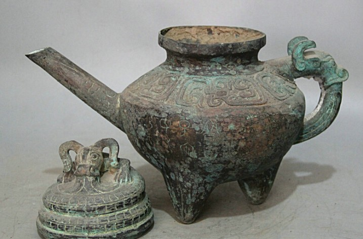 Historic influences of teapots and kettlepots